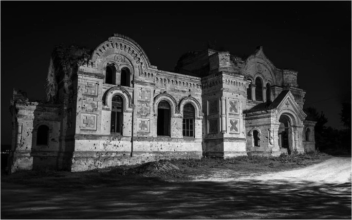 Biserica din Pohrebea, o bijuterie abandonată